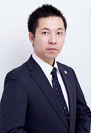弁 護 士  濵 川  俊